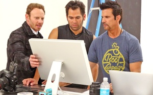 Ian-Ziering and men-what is he doing